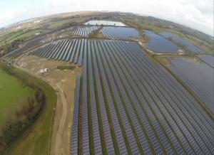 Esempio di gestione di un progetto complesso: impianto fotovoltaico da 23MW, UK. Progettazione e Project Management Encore